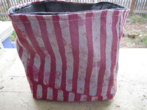 Cloth bucket