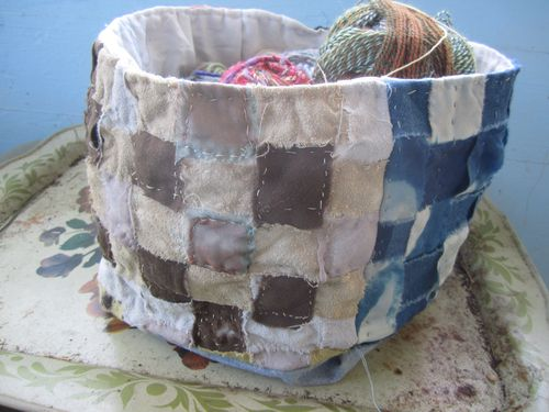 Brown:blue side basket