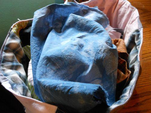 S box holding fabric